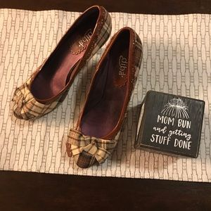 Plaid Heels with Bow Detail - Size 8 - EUC